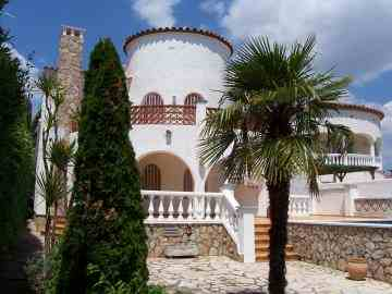 Llanca, Rosas und Empuriabrava exklusive Ferienvillen und Ferienhäuser